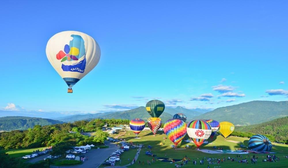 【2020台東熱氣球嘉年華】延至7/11~8/30舉辦!活動場次、光雕音樂會全攻略