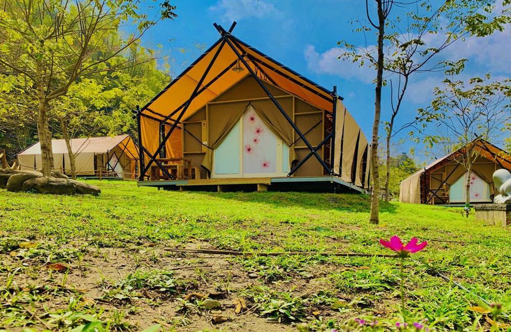 高雄六龜露營推薦 遠山望月溫泉風呂露營區 寶來花賞溫泉公園 遠山望月溫泉營區